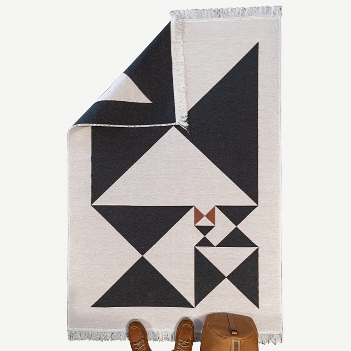 MidCentury Cross Golden Ratio Kilim Serisi'in resmi